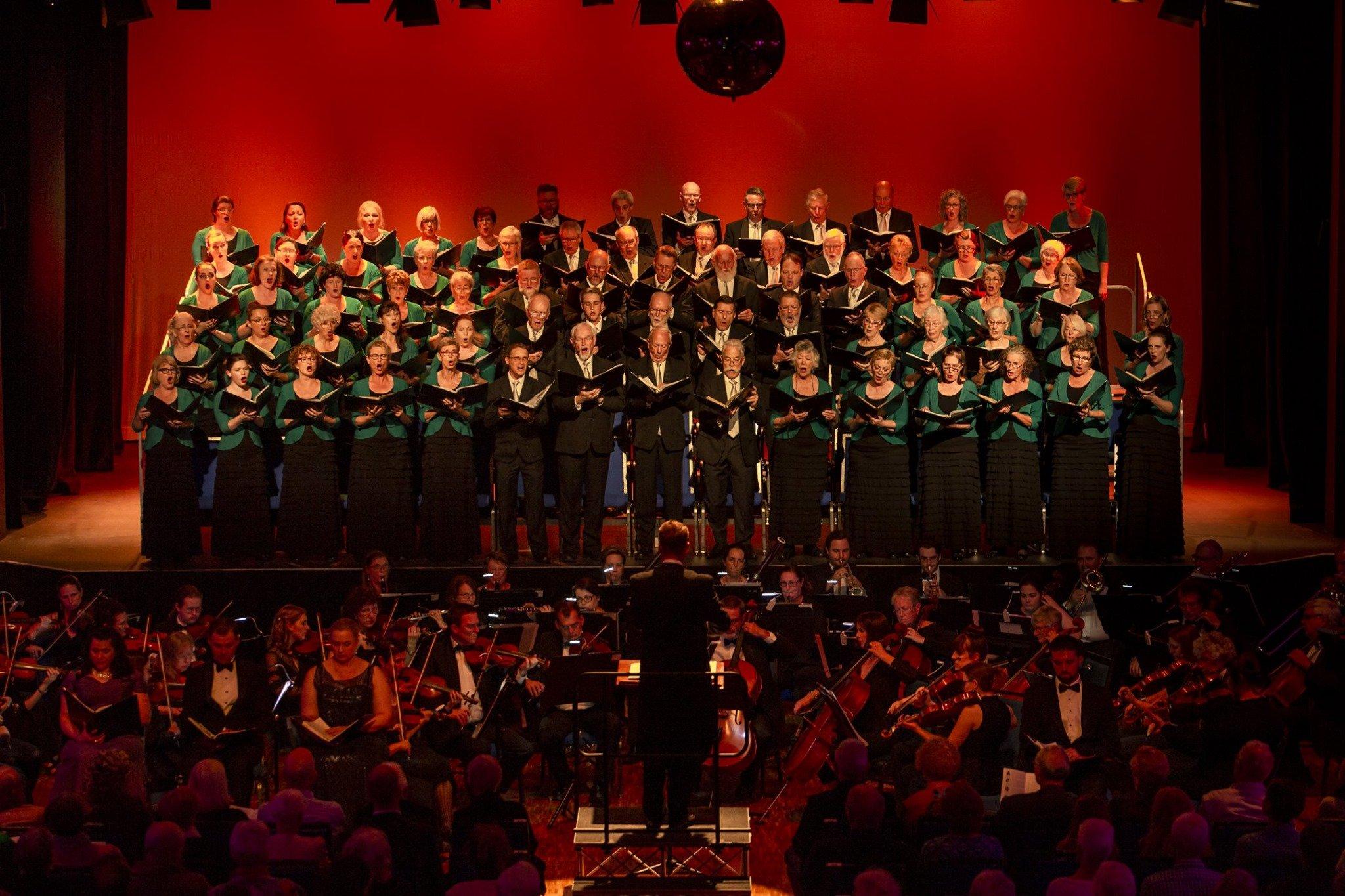Sunshine Coast Oriana Choir on the Stage